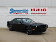 New 2019 Dodge Challenger SXT AWD Coupe Mount Pleasant