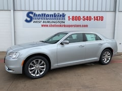 2019 Chrysler 300 TOURING AWD Sedan