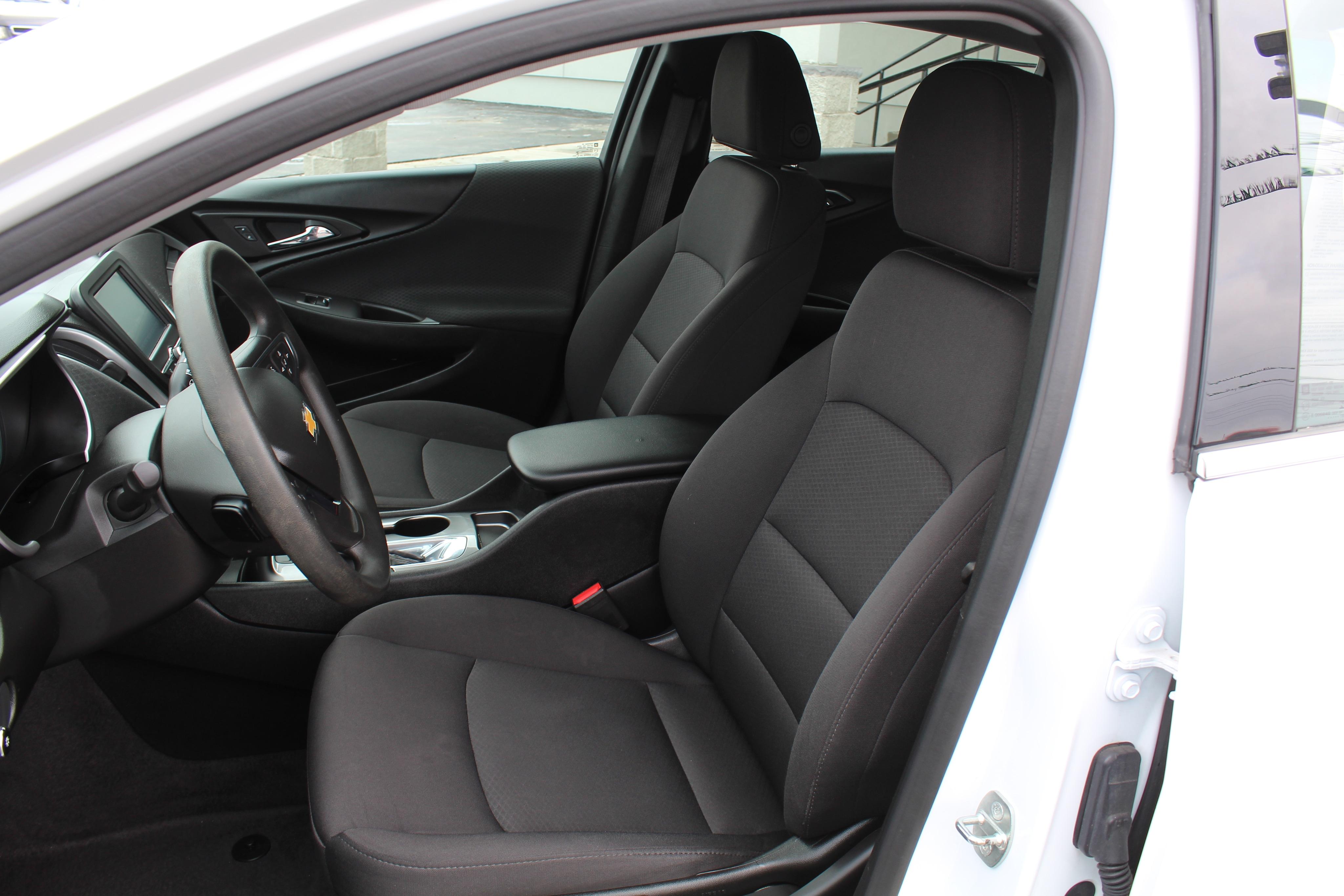 2018 Chevrolet Malibu 4dr Car