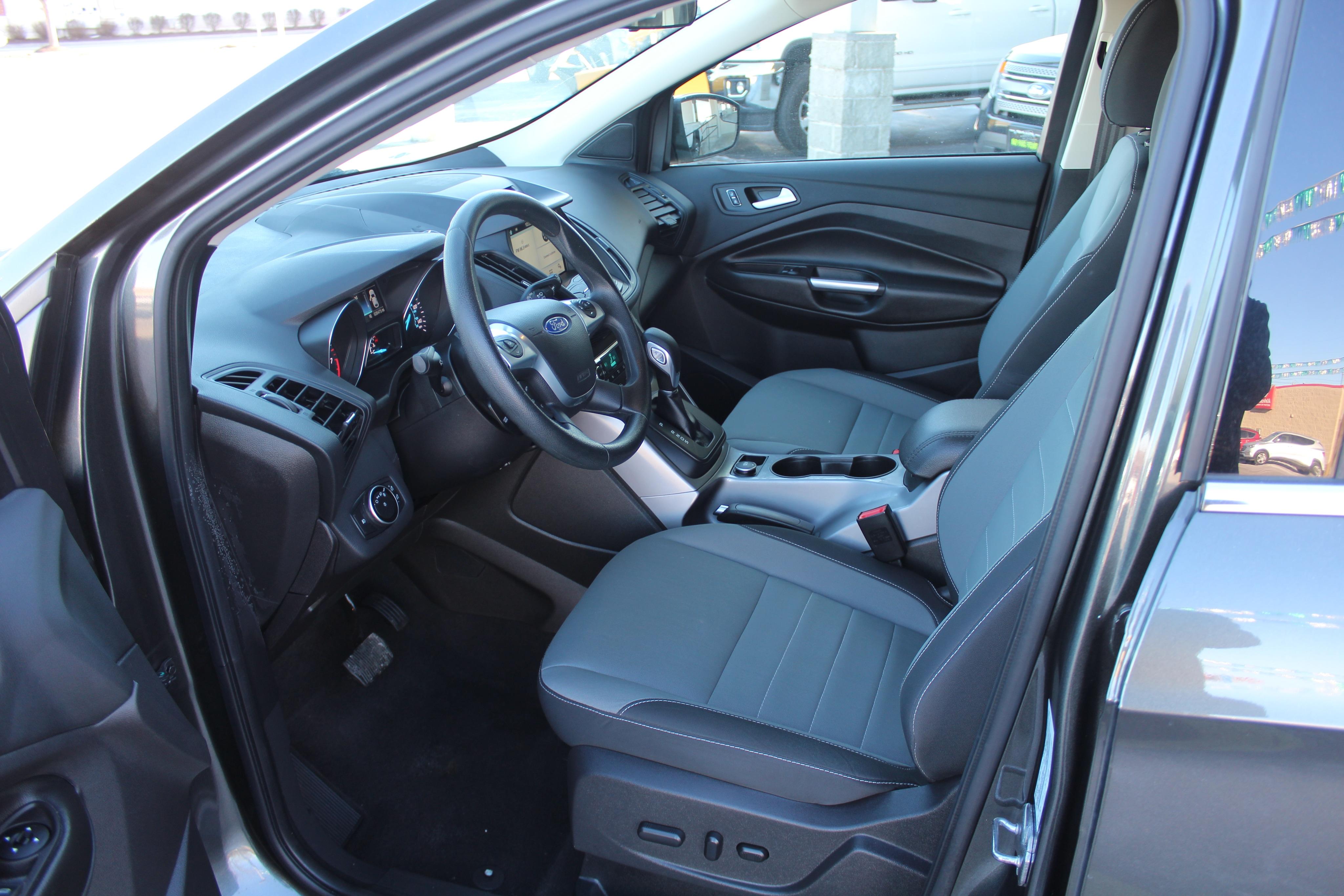 2016 Ford Escape Wagon 4 Dr.