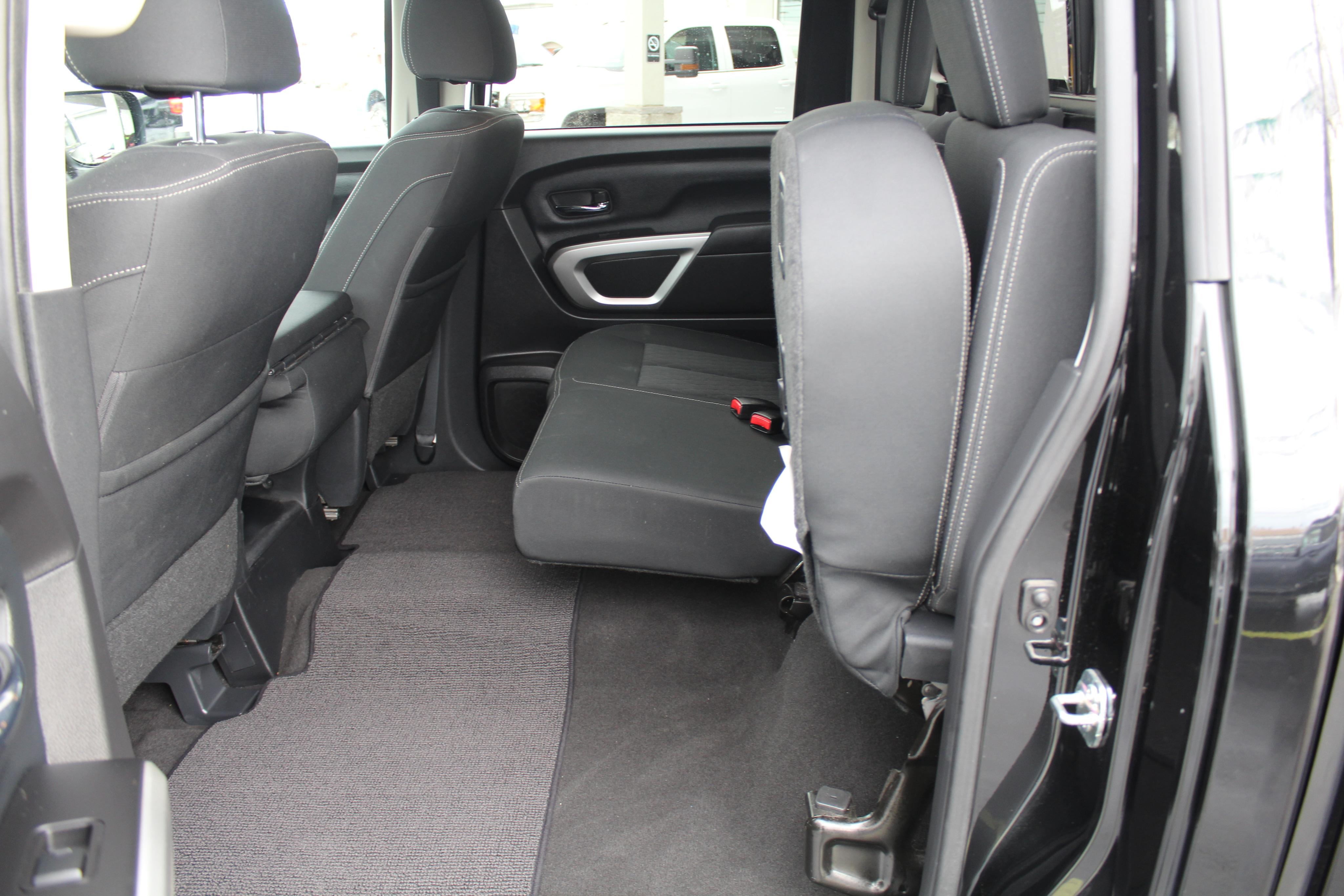 2018 Nissan Titan Crew Pickup