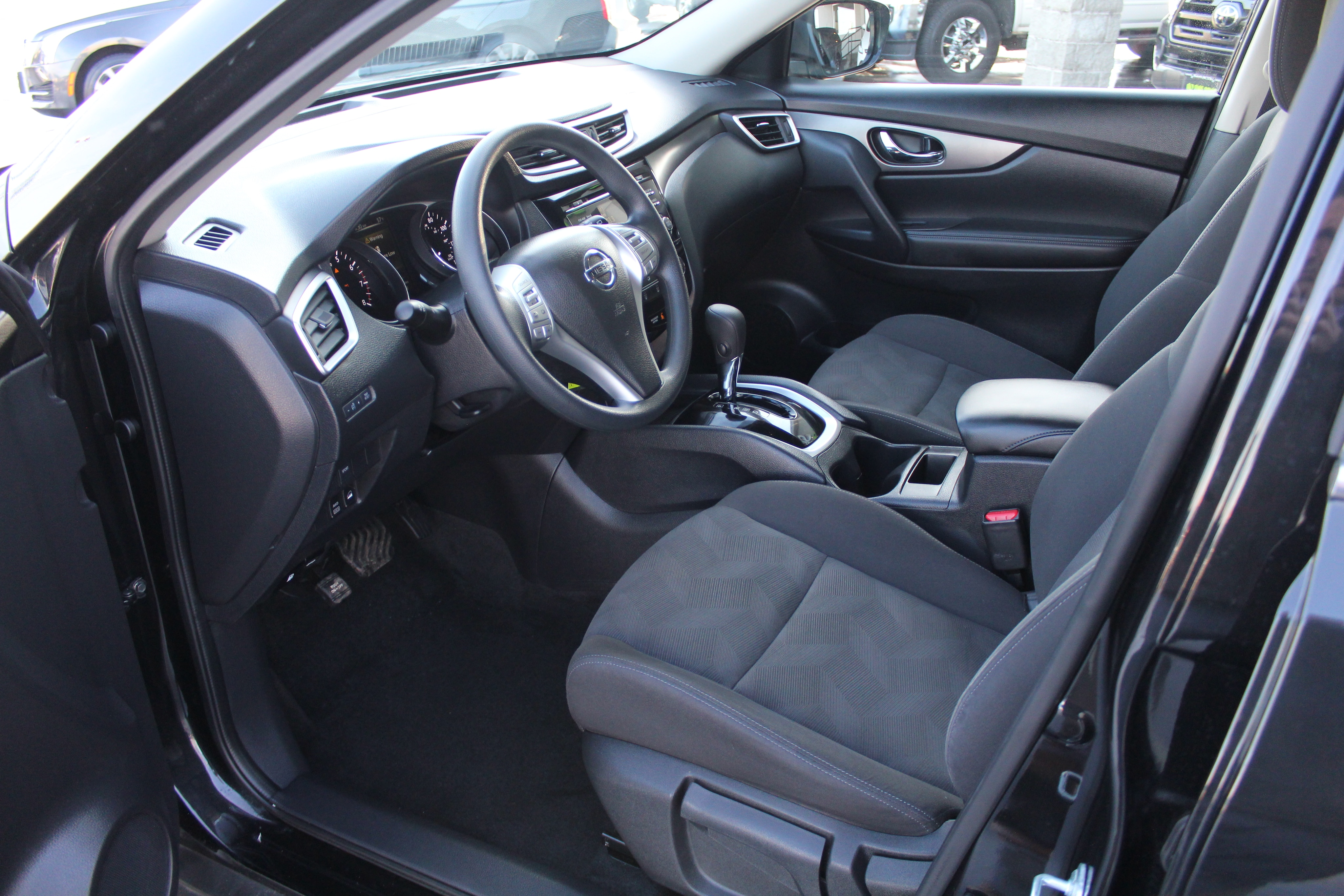 2016 Nissan Rogue Wagon 4 Dr.