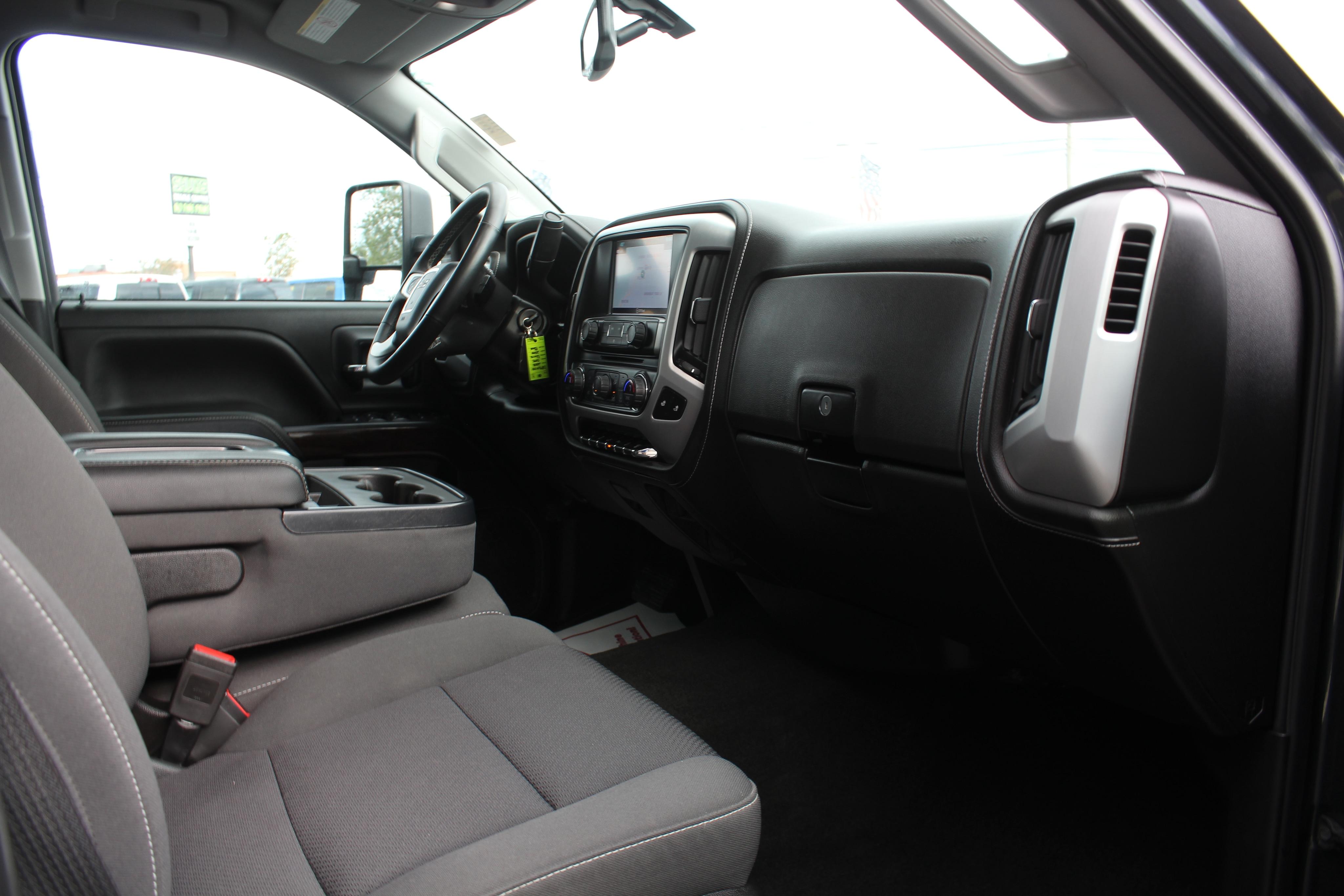 2018 GMC Sierra 2500HD Crew Pickup