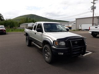 2004 Toyota Tacoma Base V6 Truck Xtracab