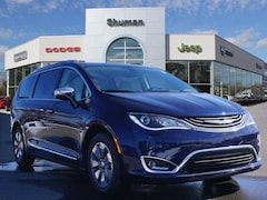 2019 Chrysler Pacifica Hybrid LIMITED Passenger Van