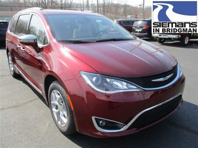 DYNAMIC_PREF_LABEL_AUTO_NEW_DETAILS_INVENTORY_DETAIL1_ALTATTRIBUTEBEFORE 2018 Chrysler Pacifica LIMITED Passenger Van DYNAMIC_PREF_LABEL_AUTO_NEW_DETAILS_INVENTORY_DETAIL1_ALTATTRIBUTEAFTER