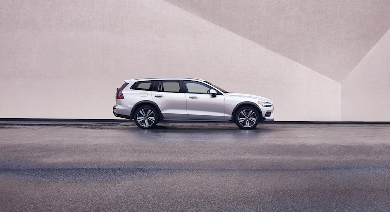 2020 V60 at Sill-TerHar Volvo Cars.jpg