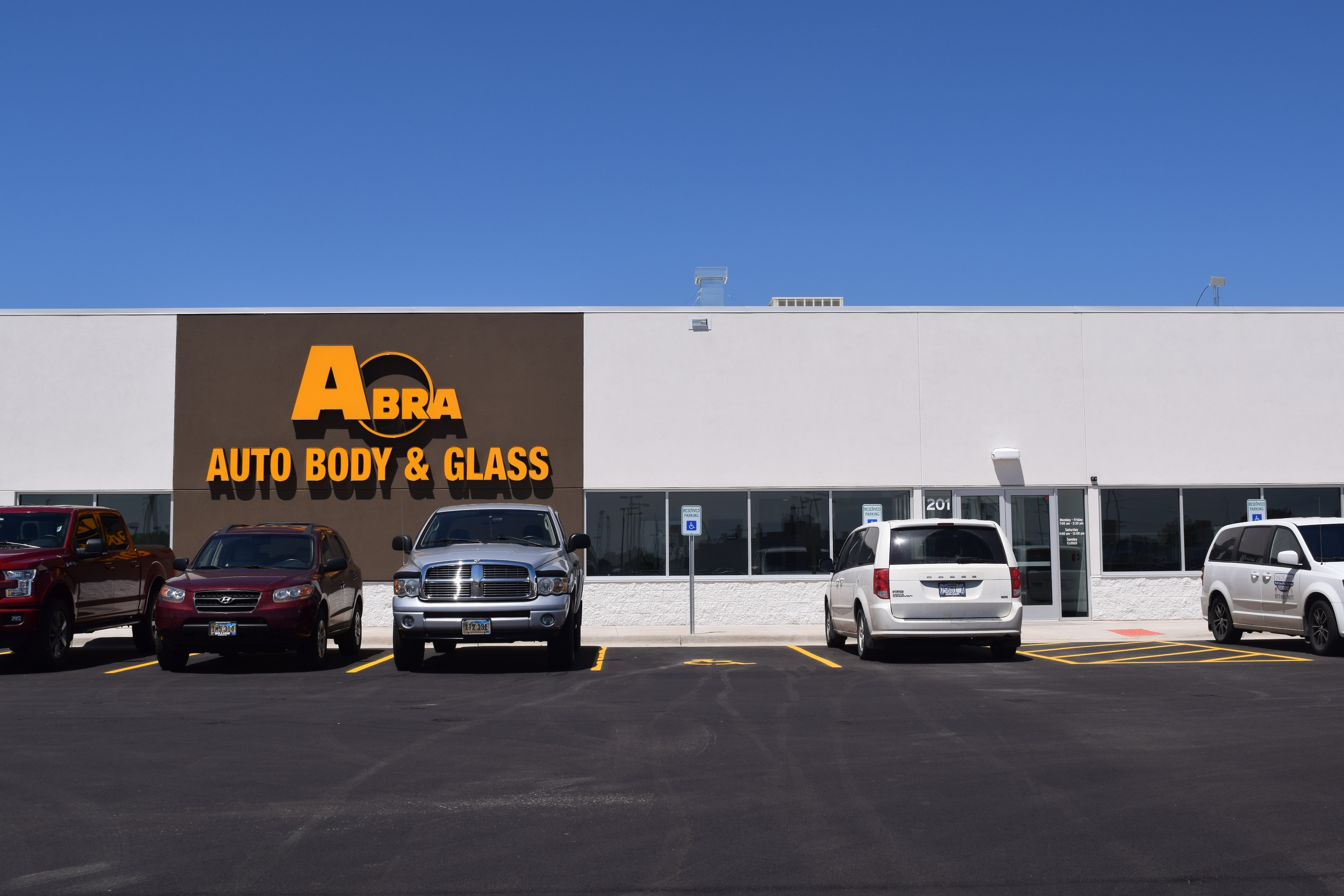 abra auto body repair glass collision center sioux falls ford. Black Bedroom Furniture Sets. Home Design Ideas