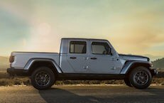 What Are The Differences Between The Gladiator and The Wrangler?