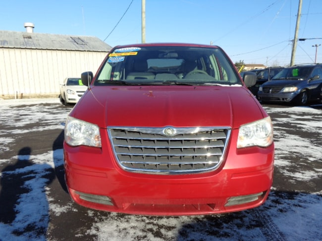 Used 2009 Chrysler Town & Country LX Van near Detroit, MI