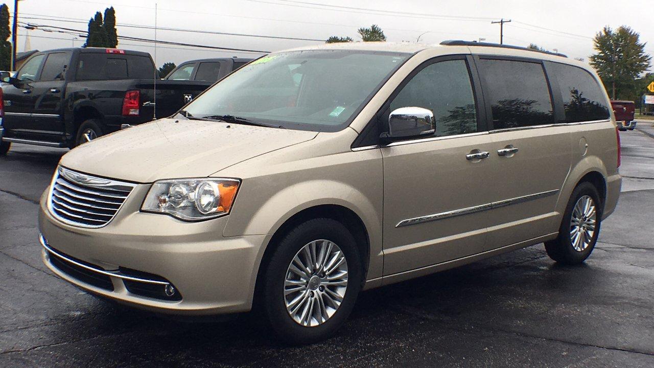 Chrysler Town Country In Corunna Mi Slingerland Dodge 2015 And Minivan Van