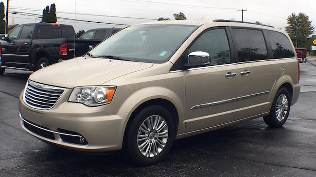 2015 Chrysler Town & Country Touring-L Minivan/Van