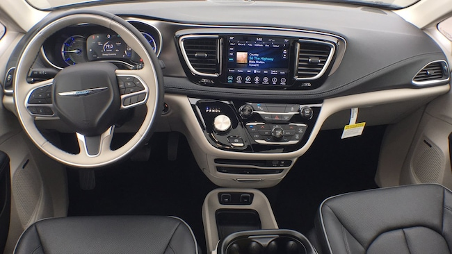 New 2018 Chrysler Pacifica Hybrid LIMITED For Sale   Owosso MI   VIN: 2C4RC1N77JR293557