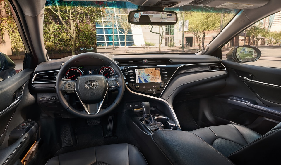 Interior Convenience That The 2018 Toyota Camry Offers