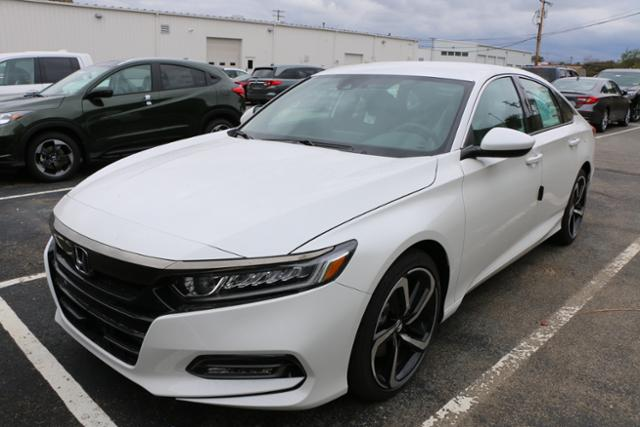 2018 honda white. 2018 honda accord sport sedan white smail