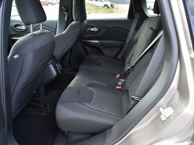 new 2019 jeep cherokee latitude fwd for sale pine bluff ar. Black Bedroom Furniture Sets. Home Design Ideas