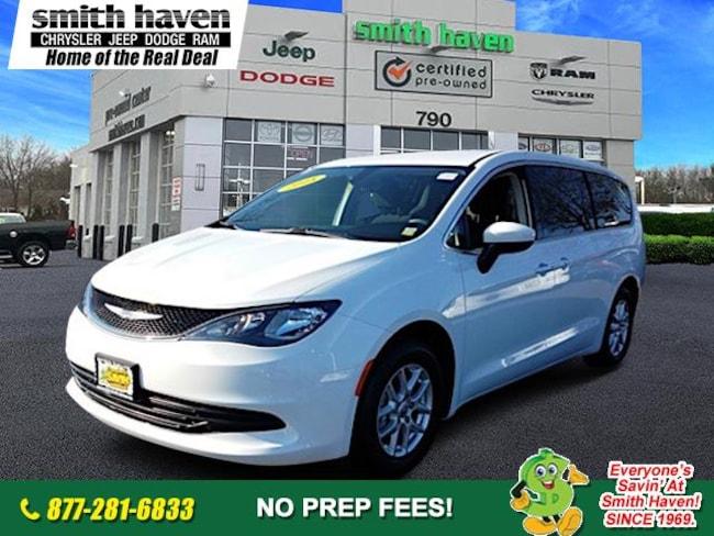 2017 Chrysler Pacifica Touring Minivan/Van