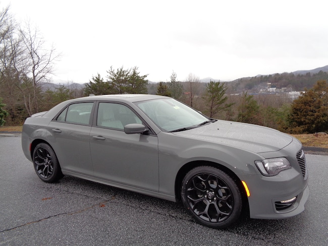 New 2019 Chrysler 300 For Sale at Smoky Mountain Automotive | VIN