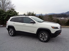 New 2019 Jeep Cherokee TRAILHAWK 4X4 Sport Utility in Franklin, NC
