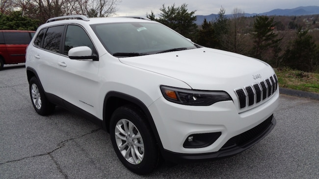 New 2019 Jeep Cherokee LATITUDE 4X4 Sport Utility Franklin