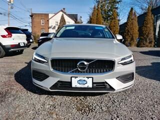New 2019 Volvo S60 T5 Momentum Sedan 7JR102FK2KG000859 In Summit NJ