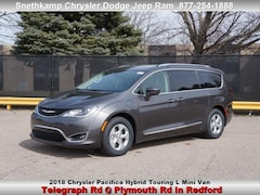 New 2018 Chrysler Pacifica HYBRID TOURING L Passenger Van in Redford, MI near Detroit