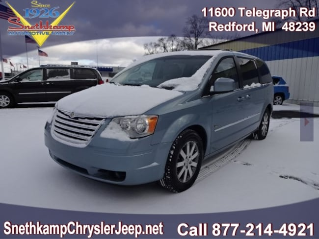 Used 2009 Chrysler Town  Country Touring medium slate gray light shale interior 142614 miles St