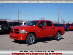 New 2018 Ram 1500 EXPRESS CREW CAB 4X4 5'7 BOX Crew Cab in Redford, MI near Detroit