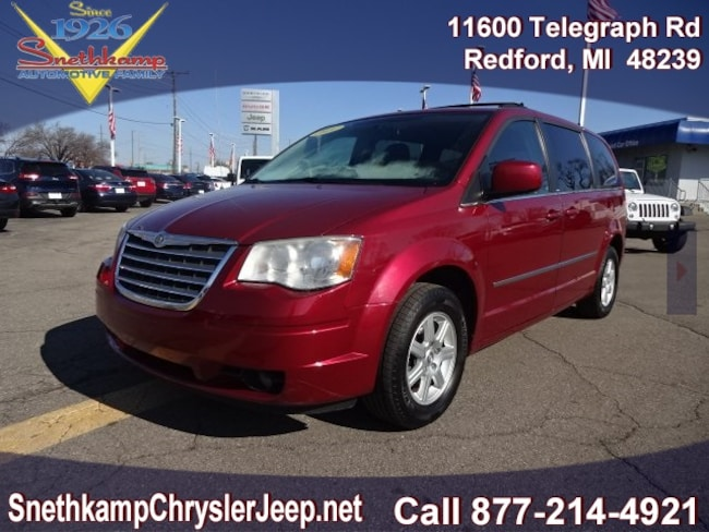 Used 2010 Chrysler Town & Country Touring Van in Redford, MI near Detroit