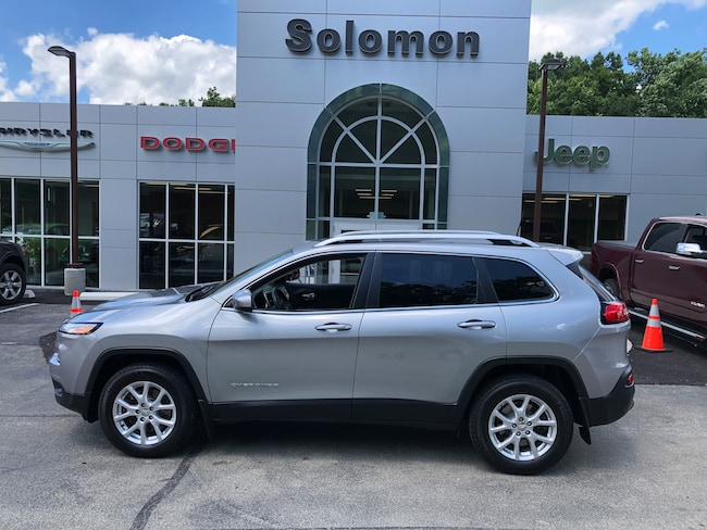 Certified Pre-Owned 2016 Jeep Cherokee Latitude 4X4 SUV For Sale Carmichaels, PA
