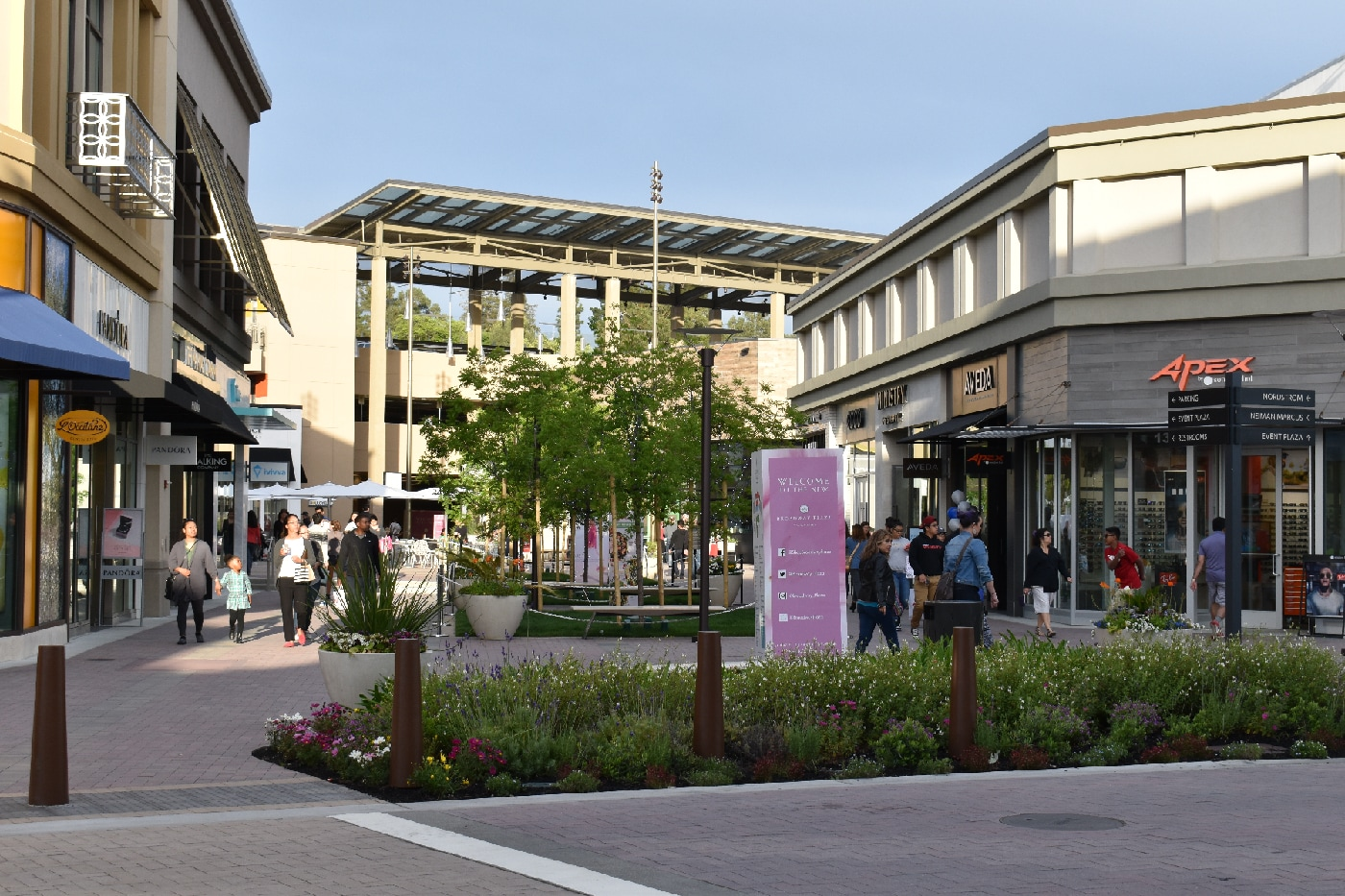 Walnut Creek Broadway Plaza
