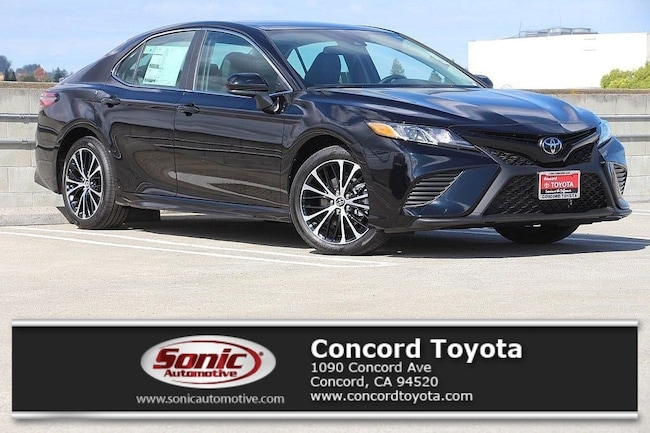 New 2019 Toyota Camry SE Sedan in Concord, CA