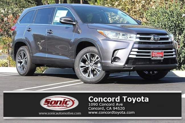 New 2019 Toyota Highlander LE V6 SUV in Concord, CA