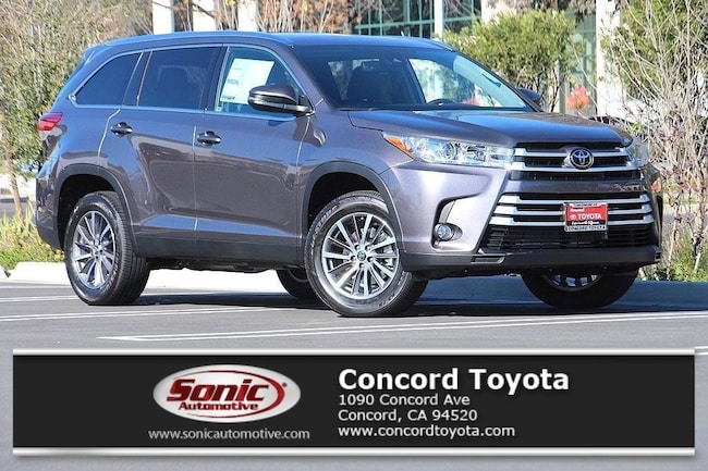 New 2019 Toyota Highlander XLE V6 SUV in Concord, CA