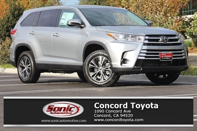 New 2019 Toyota Highlander LE V6 SUV in Concord, CA