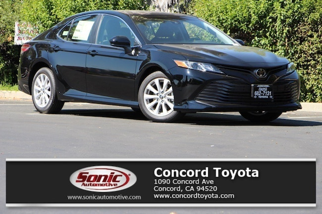New 2018 Toyota Camry XLE Sedan in Concord, CA