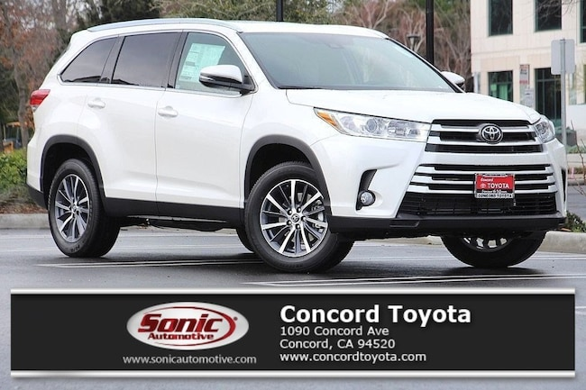New 2019 Toyota Highlander XLE V6 SUV in Concord, CA