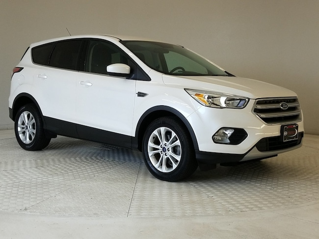 Used 2017 Ford Escape SE SUV in Columbus