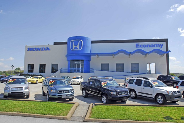 Dealership Photo - Honda Entrance
