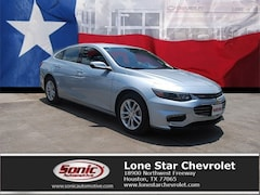New 2018 Chevrolet Malibu LT Sedan JF239637 in Houston