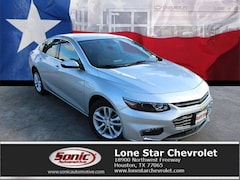 New 2018 Chevrolet Malibu LT Sedan JF235268 in Houston
