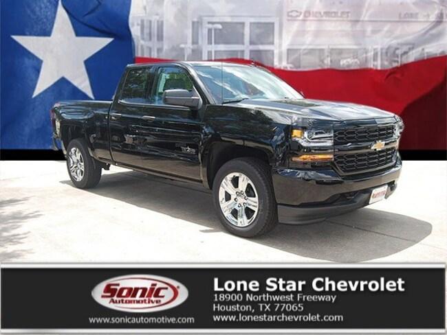 New 2018 Chevrolet Silverado 1500 Silverado Custom Truck Double Cab JZ365764 in Houston