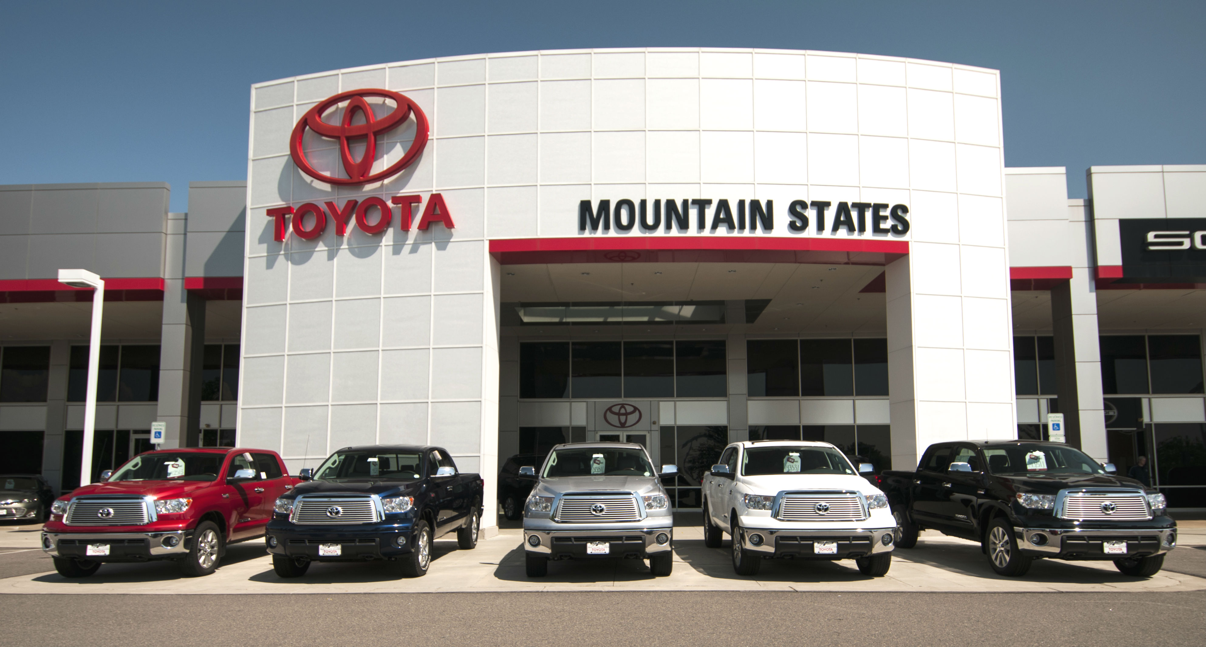 vehicles recall million industries recalling toyota over dealer millions business defects