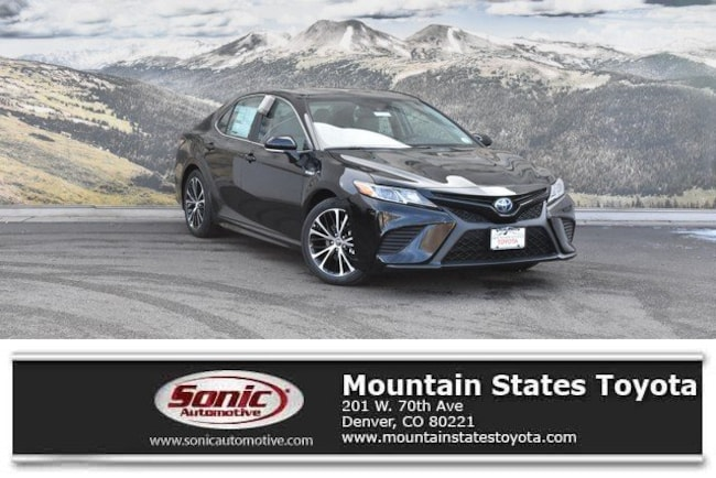 New 2019 Toyota Camry Hybrid SE Sedan in Denver