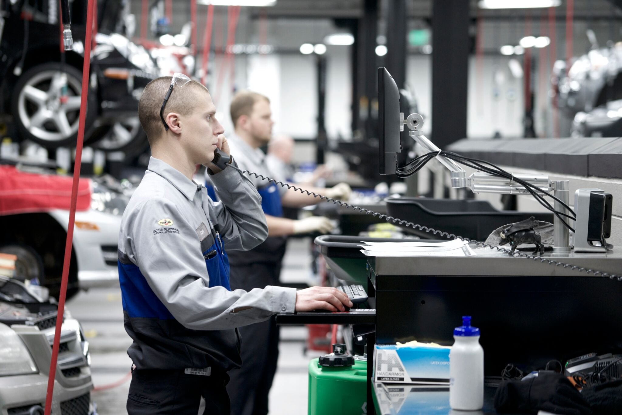 Mercedes benz service repair center in denver mercedes for Mercedes benz service department