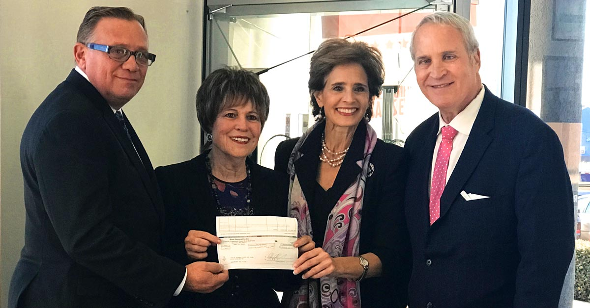 Philpott presents check to Gift of Life representatives