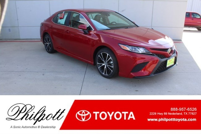 New 2019 Toyota Camry SE Sedan in Nederland