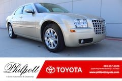 2010 Chrysler 300 Touring Signature 4dr Sdn  RWD Sedan