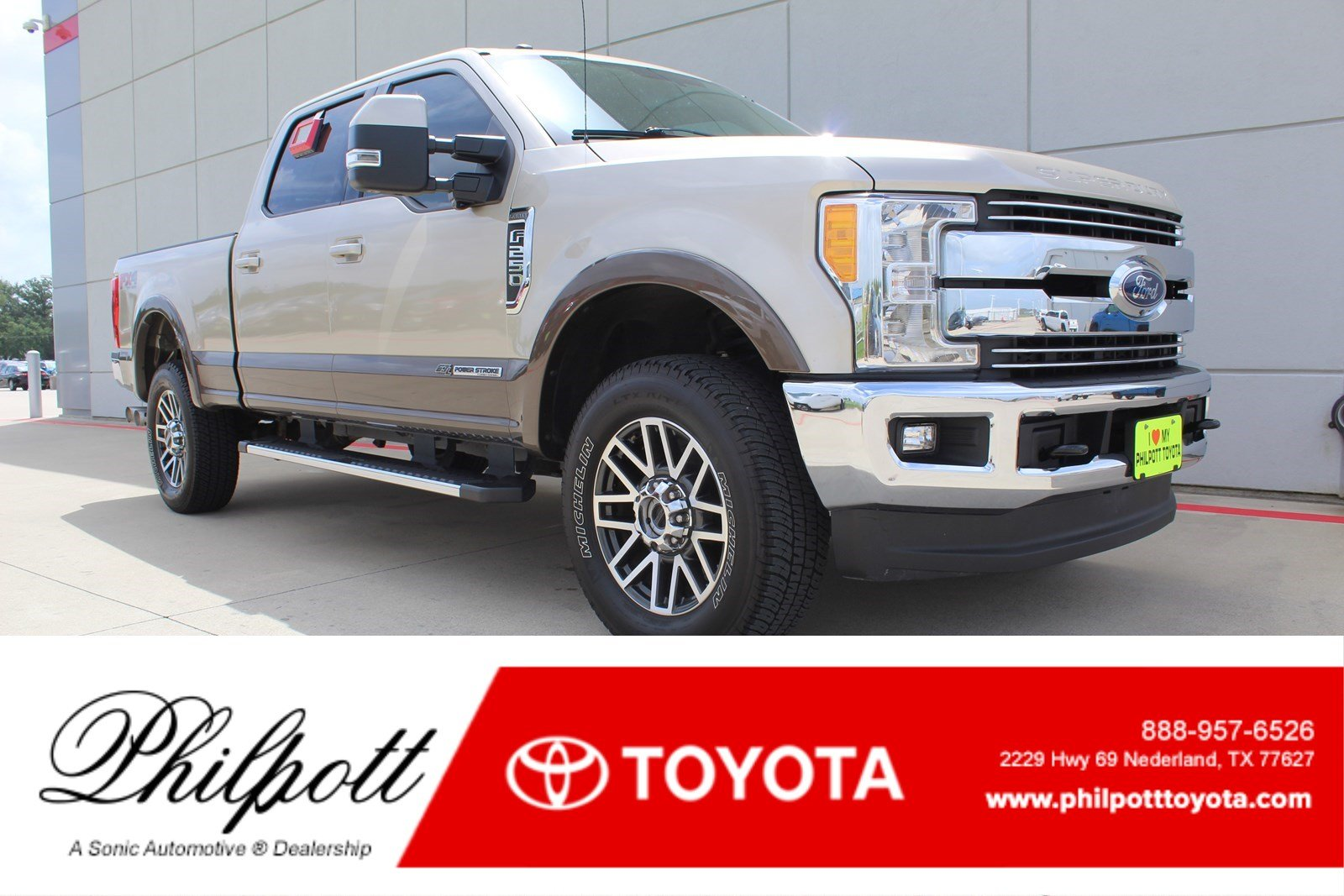 Used 2017 Ford F-250 Lariat  4WD Crew Cab 8 Box Truck Crew Cab for sale in Nederland, TX