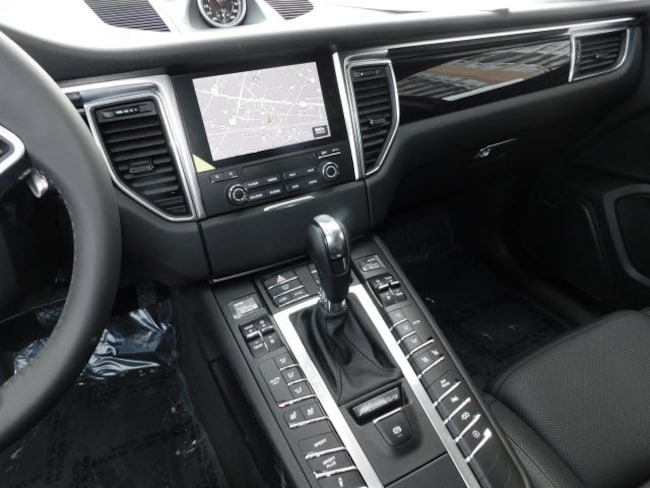 New 2018 Porsche Macan In North Bethesda Md Stock Jlb21445